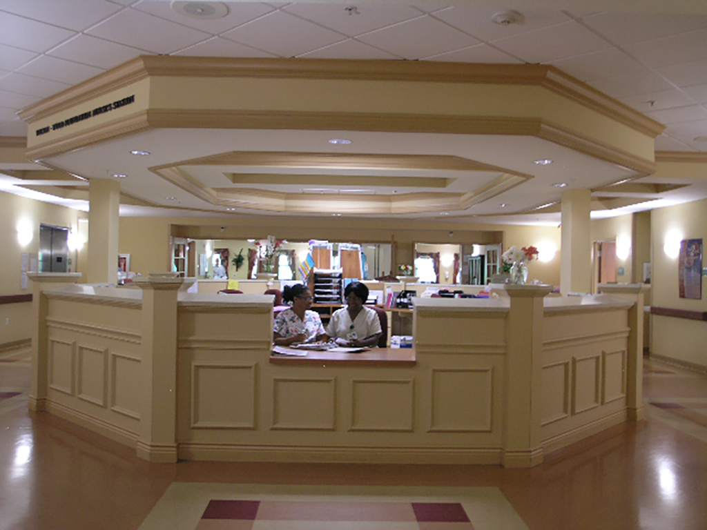 Pines of Sarasota Rehab - Front Desk